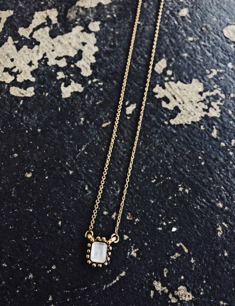 Moonstone small Dainty necklace