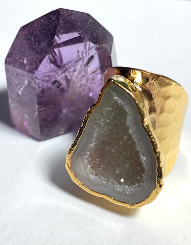 Short cigar band white geode ring