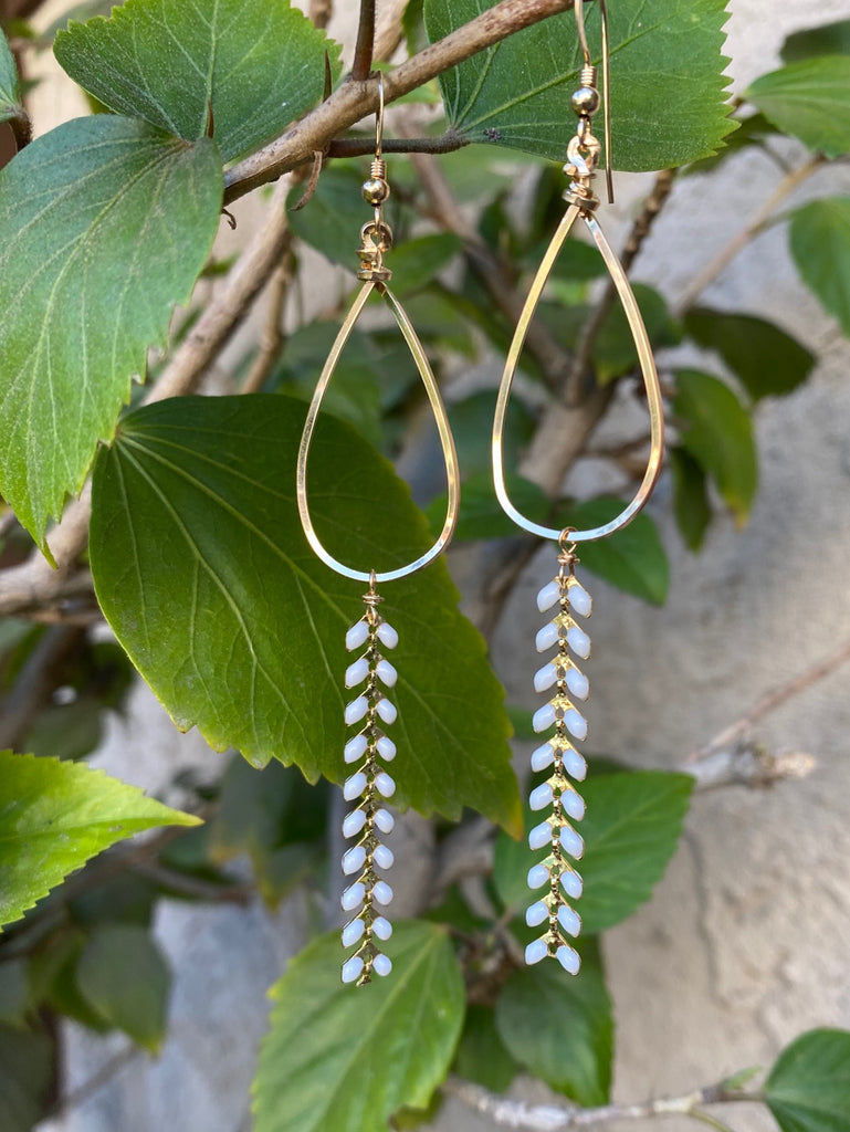 Hoops with feather chain earrings