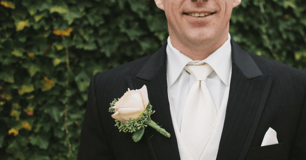 Groomsmen Outfits for Weddings: 8 Tips