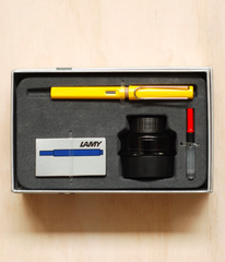 Lamy Gift Pack - Safari Fountain Pen Medium Yellow