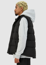 Load image into Gallery viewer, Mens Classic Down Vest Black