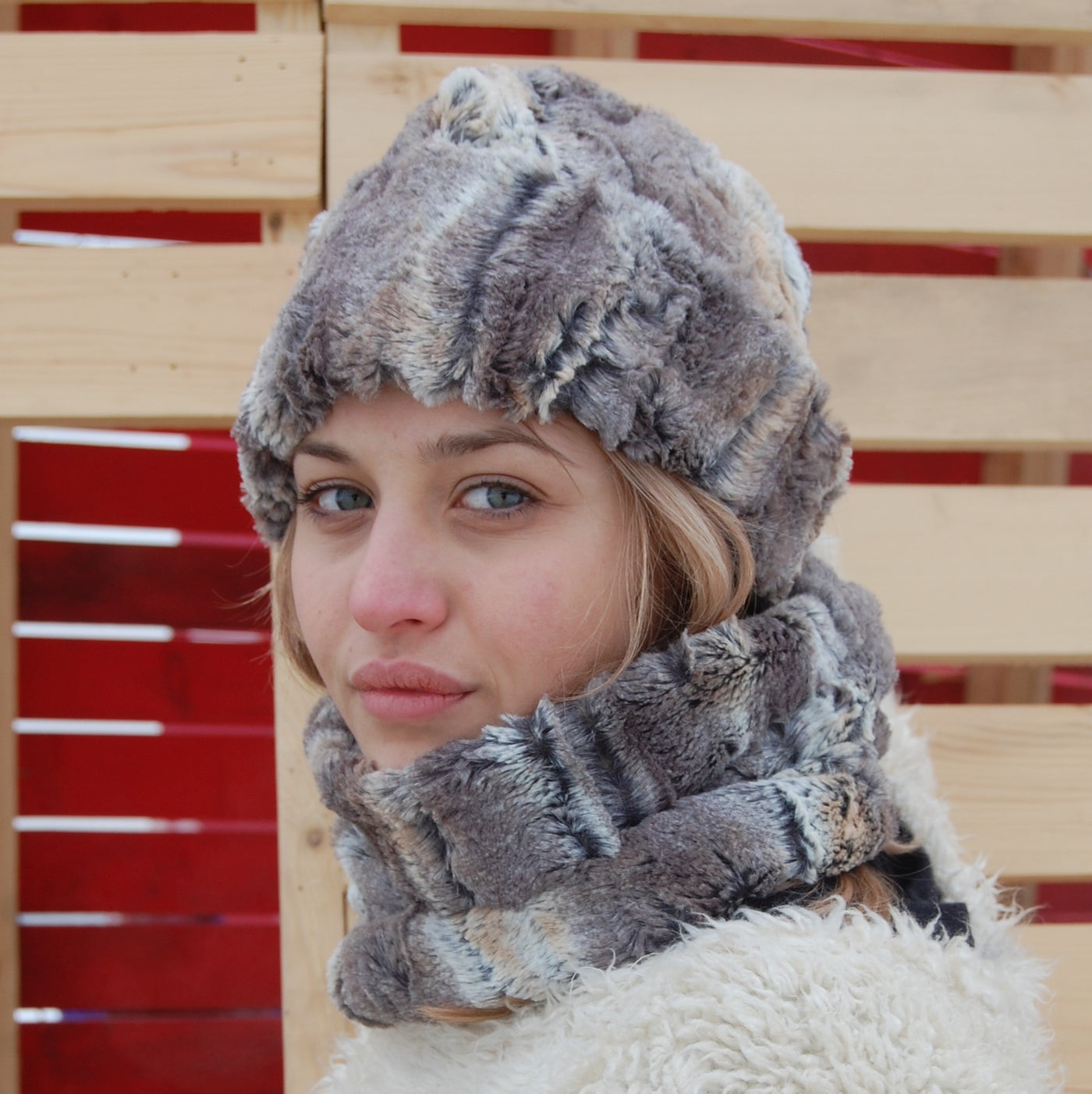 9eaa872a123 Puffin Gear Lodge Faux Fur Toque and Neck Warmer - Made in Canada