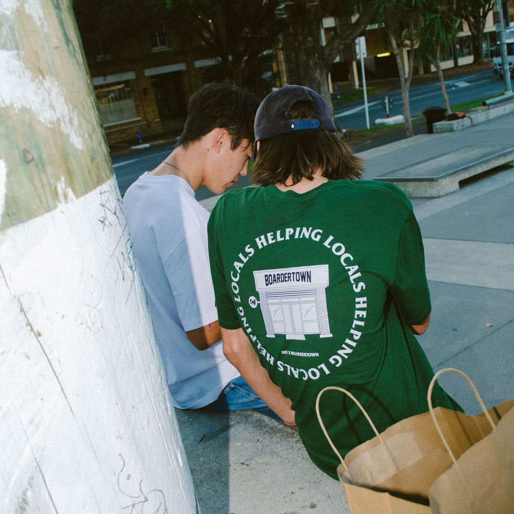 Def x Boardertown Shop Tee - Forest Green