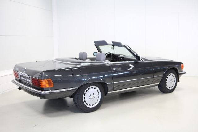 Mercedes 560 SL W107 (USA-Spec) - Full Sport system with cat delete (1986-89)