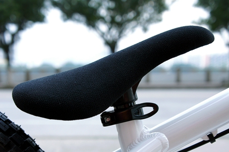 [ FREE shipping ] Soft Padded Street Trial Saddle and Post