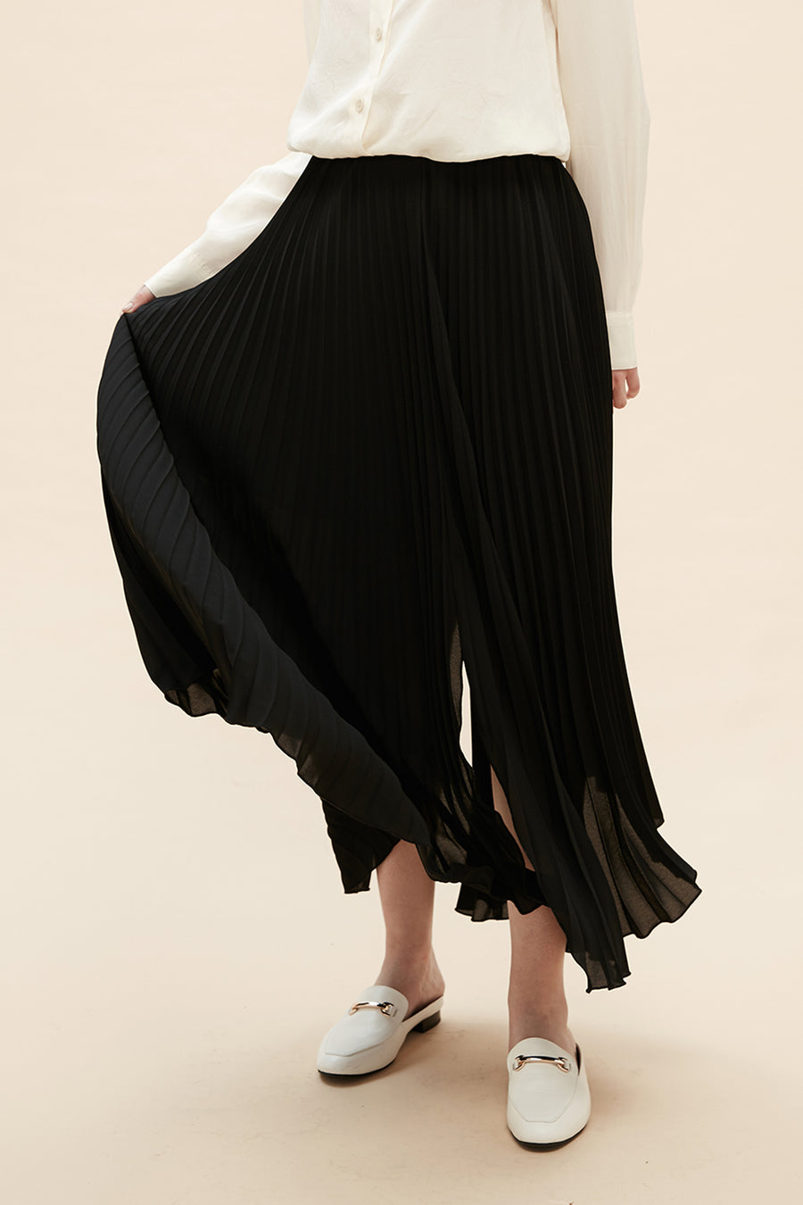 Allison - Light Pleated Skirt - Zelle Studio