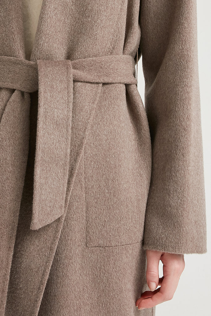 Extra-fine wool and cashmere-blend coat