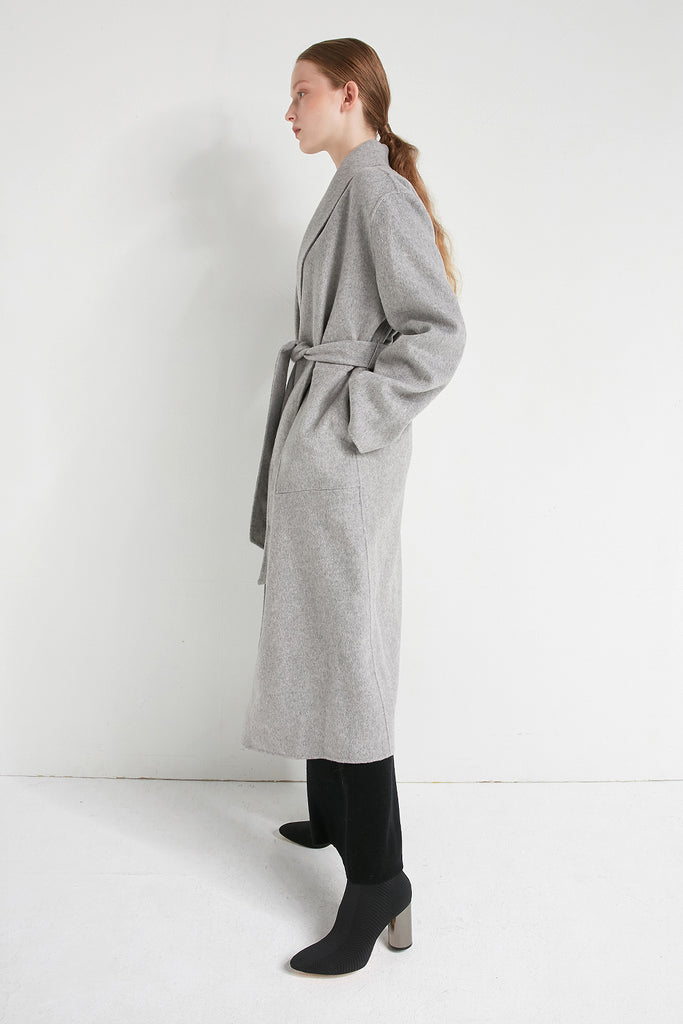 Extra-fine wool and cashmere-blend coat - Zelle Studio