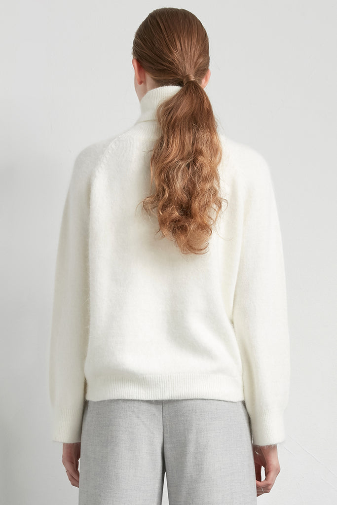Turtleneck wool angora jumper