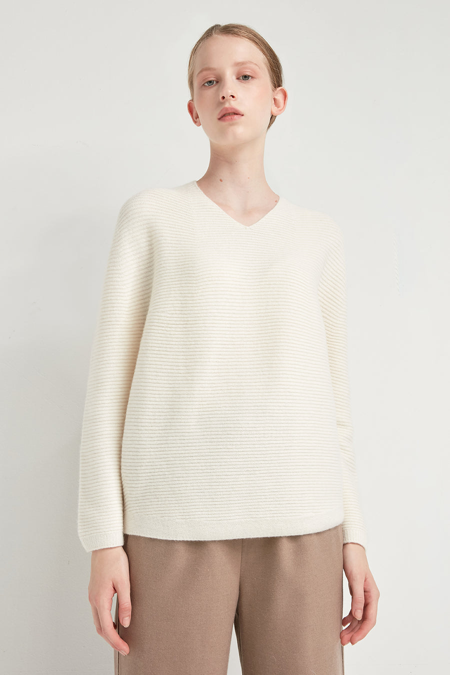 Horizontal ribbed v-neck pullover - Zelle Studio