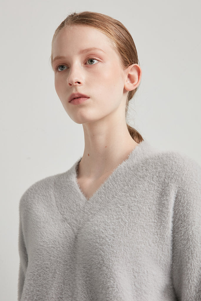 V-neck feather yarn pullover - Zelle Studio
