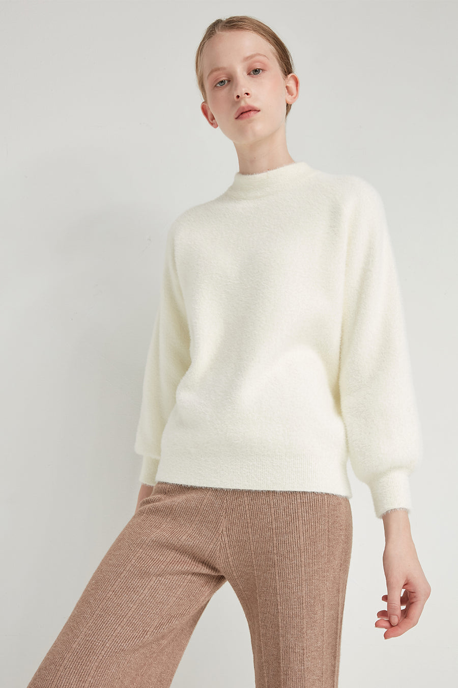 Feather yarn crewneck pullover