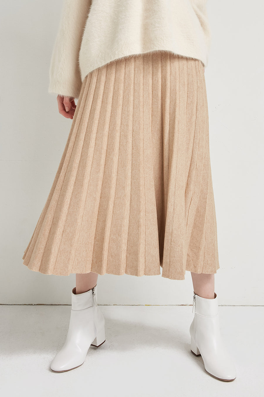 Wool and cotton-blend knitted skirt