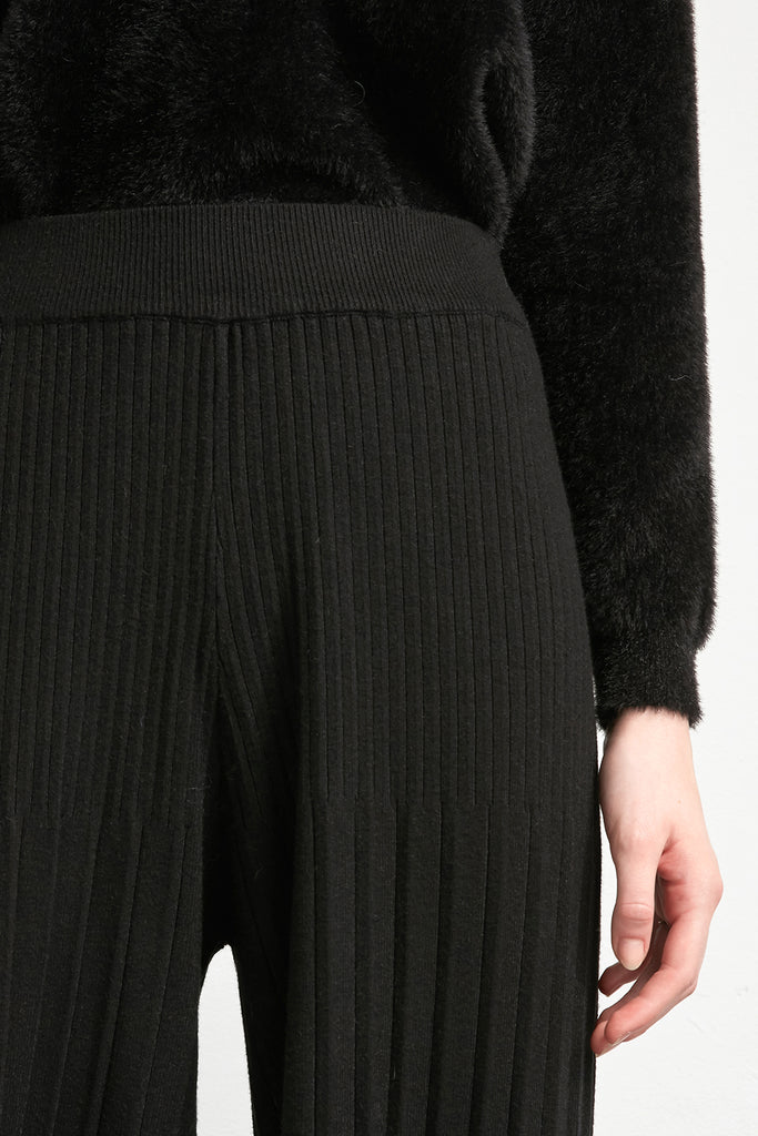 Ribbed wide leg knitted trousers - Zelle Studio