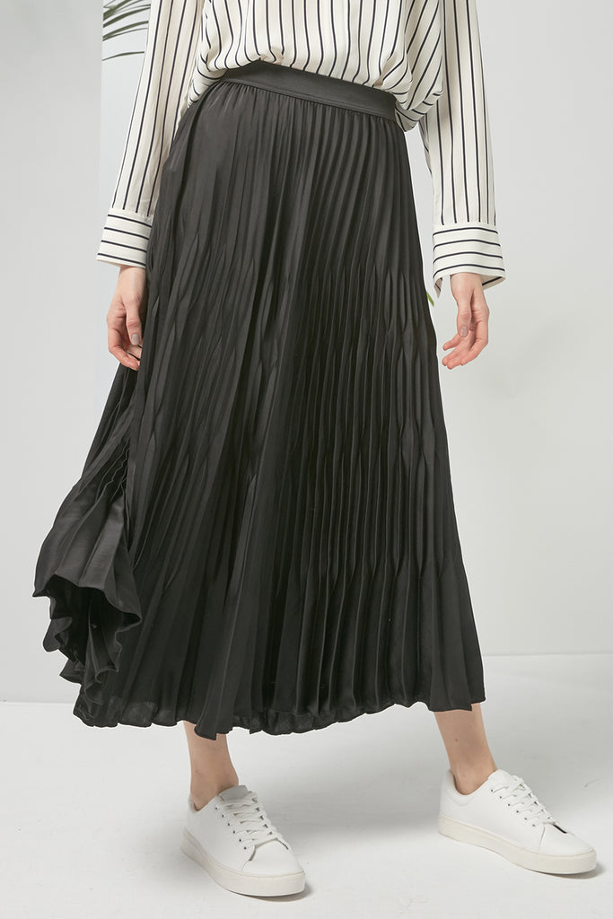 Long pleated skirt - Zelle Studio