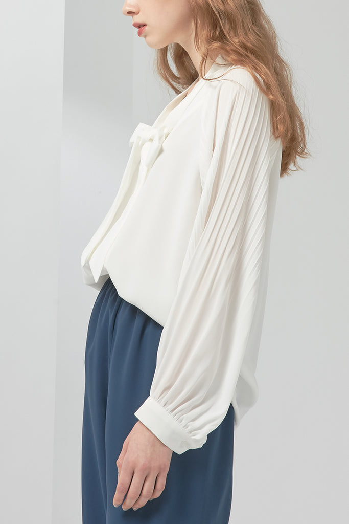 Chiffon blouse with pleated sleeves - Zelle Studio