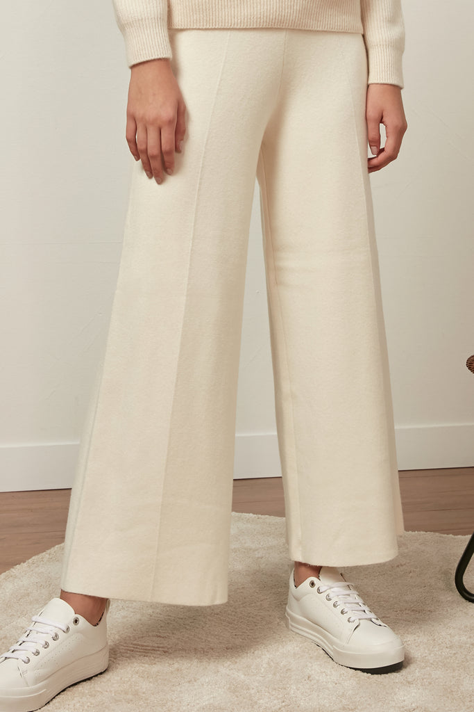 Elasticated wide-leg trousers