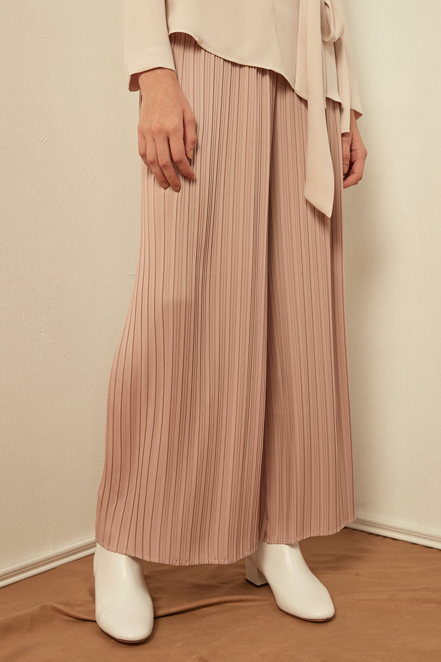 Pleated wide-leg trousers - Zelle Studio