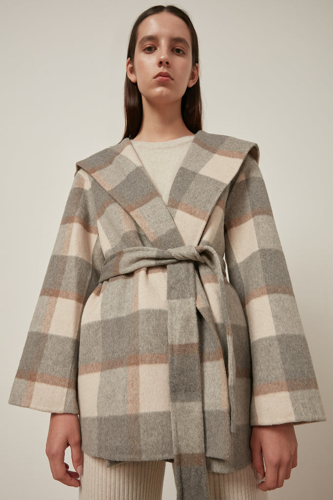 Hooded wool check coat with waist tie