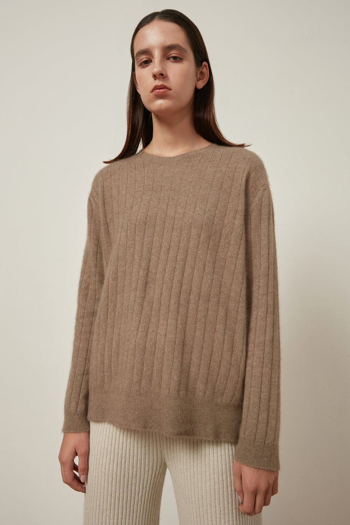 Raccoon and wool-blend ribbed jumper