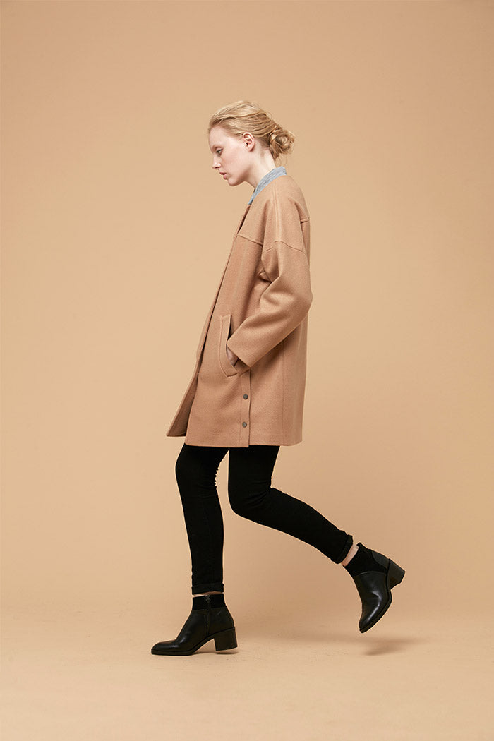 Zelle Studio Darena - Camel Coat With Rounded Grey Stretch Collar