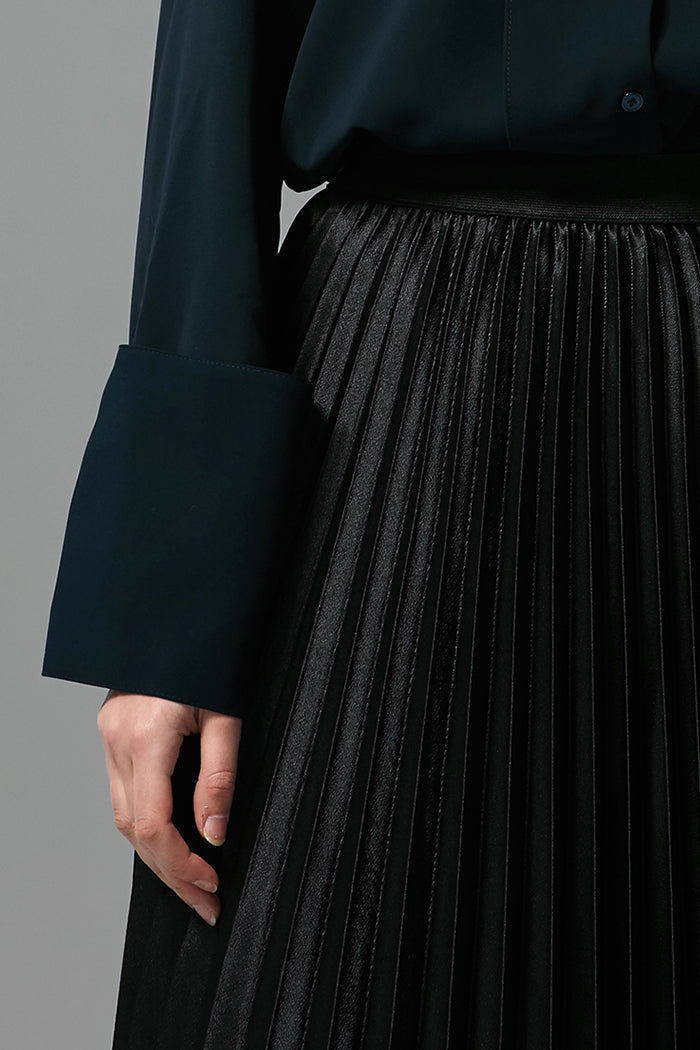 Linda - Metallic Pleated Skirt