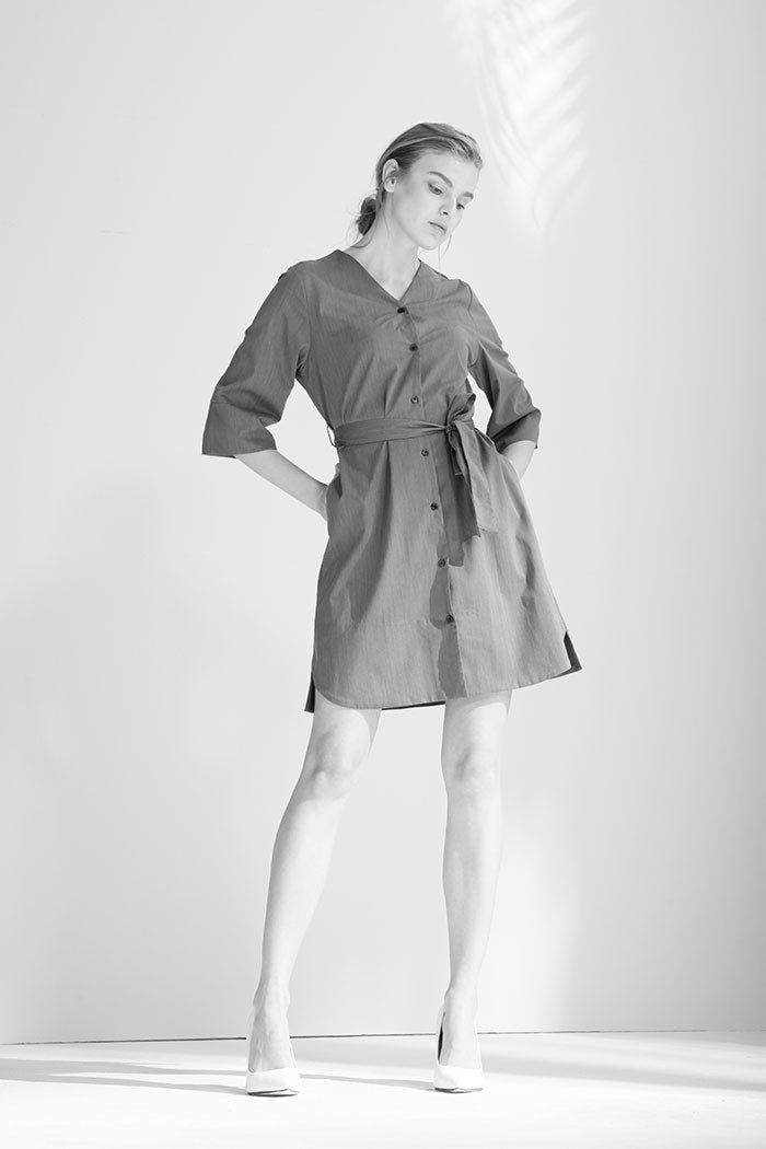 Keleau - Three-Quarters Sleeve V-Necked Dress With Buttons