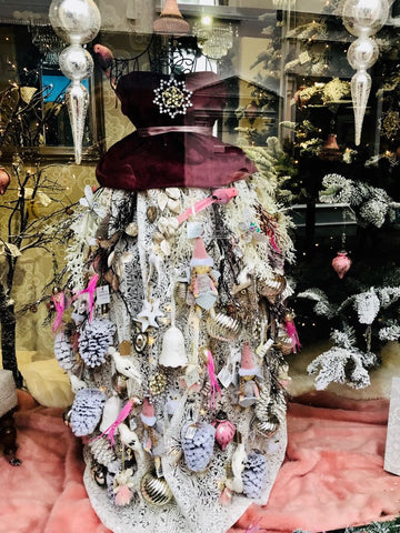 Barretts Christmas Windows Displays now in