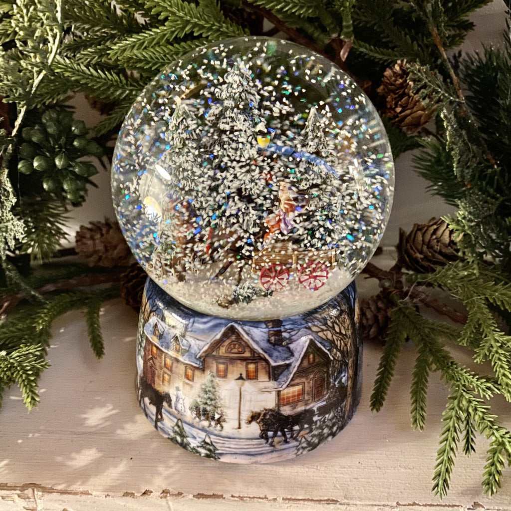 Christmas Musical Snow Globe - Water Globe Carriage - (48082)