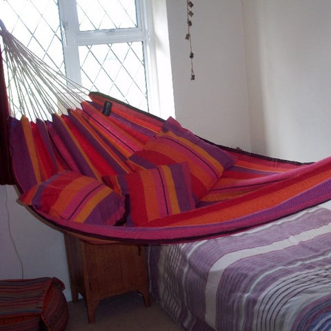 Beautiful traditional hammocks: woven from natural cotton. Strong and hard-wearing yet comfortable and soft to lie in. Perfect as a garden or an indoor hammock.