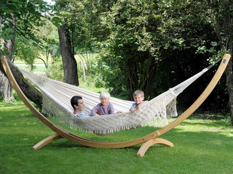 A luxury wooden arc hammock frame adds a touch of class to any space. It is elegant, sturdy and durable. Suitable for most hammocks. For outdoor or inside use.