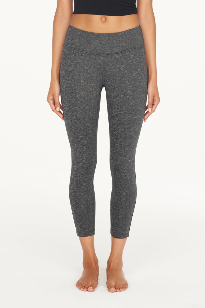 Crane & Lion-Capri-JUJA Active-Lightweight Capri Tight