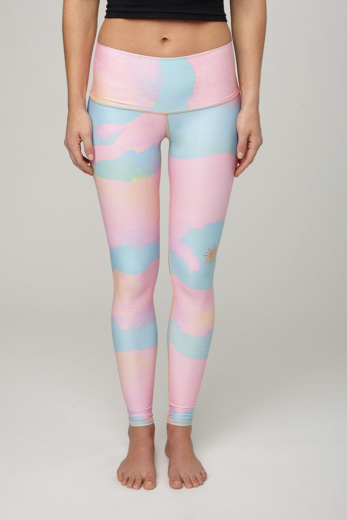 Teeki-Legging-JUJA Active-New Moon Rainbow Hot Pant Legging