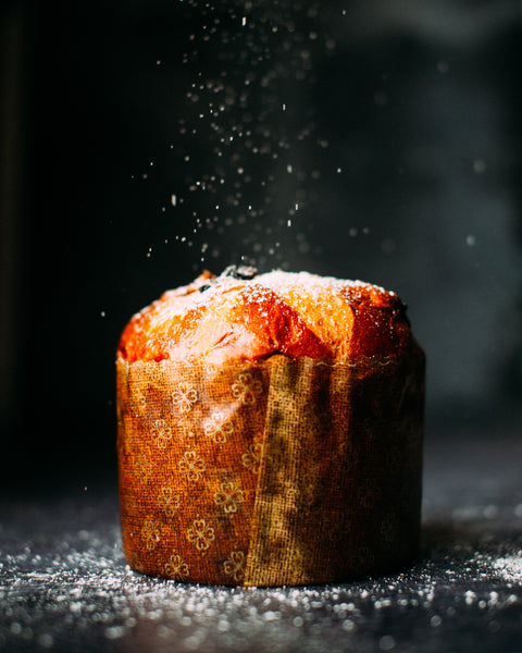 The History of Panettone. Legends & Stories on a Milanese Tradition.