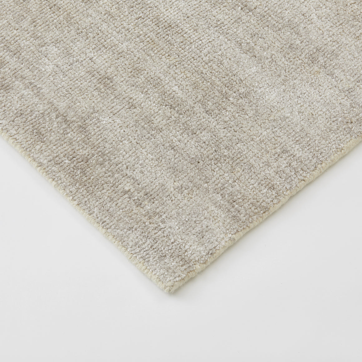 TRIBE Collection - Oyster Rug, Bamboo Silk 2 x 3m / سجادة