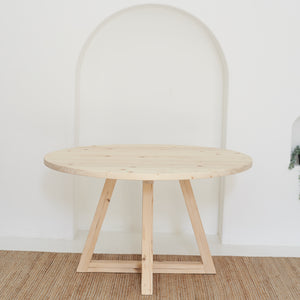 PEG+ Round Dining Table