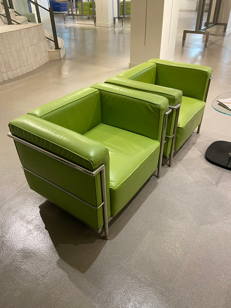 #01 > Green Leather Sofa Chair