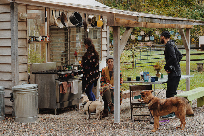 the outlier inn outdoor kitchen - glamping airbnb catskills upstate ny