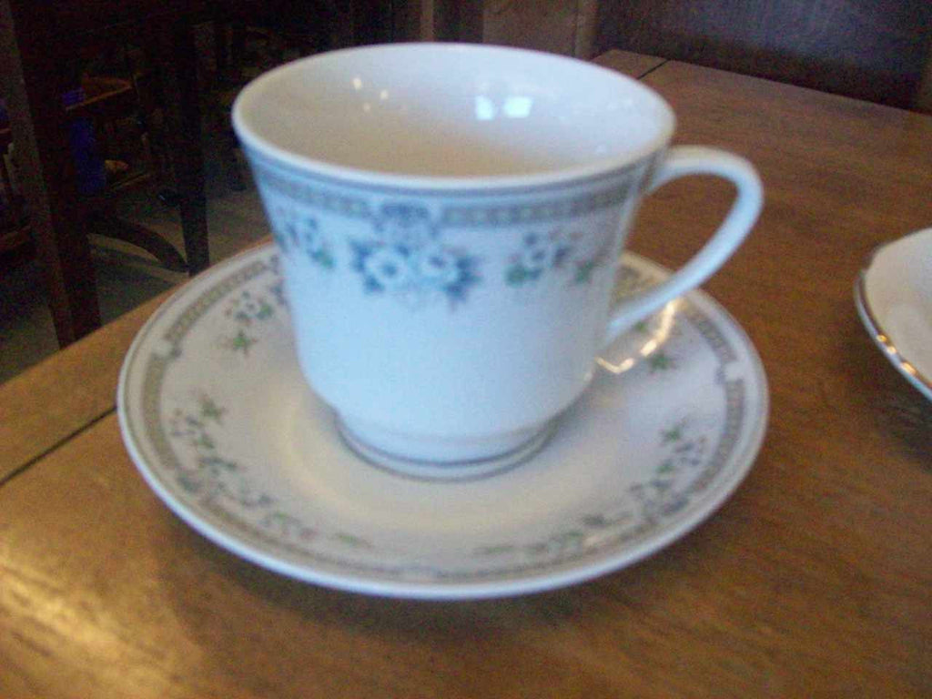 Tea cup and saucer set 7005
