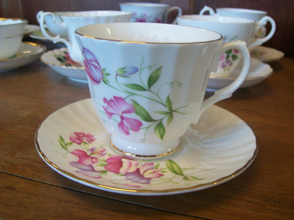 Tea cup and saucer set 7022