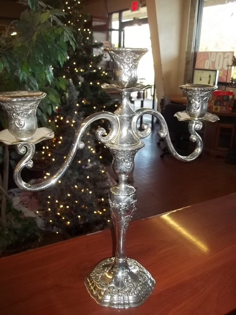 Beautiful candelabra 10085