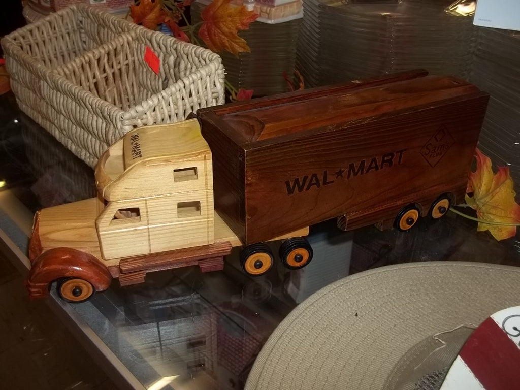 Wal-mart wooden toy collectible semi truck tractor cab with trailer model replica 10030
