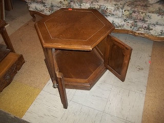 End table 12702