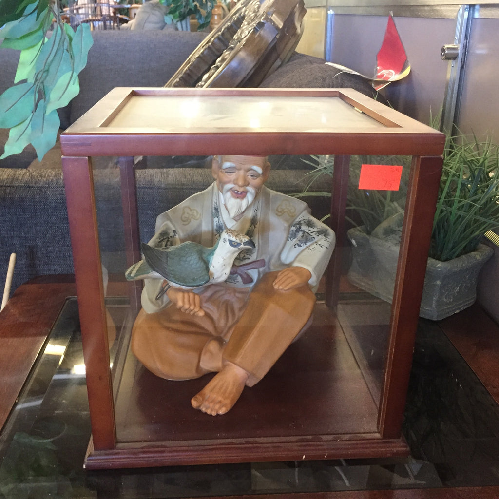 Old Antique Chinese Man Figurine w/ Bird on Arm in display case 20059 121