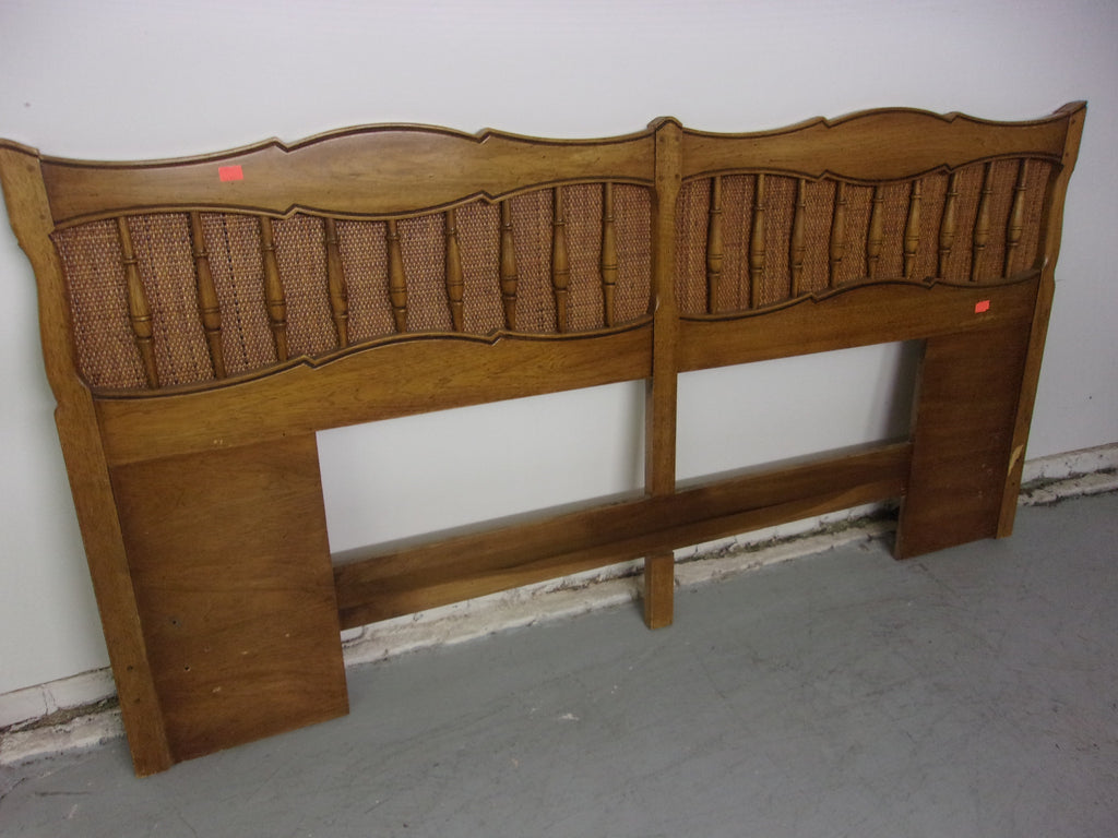 King or queen headboard with basket weave W15273