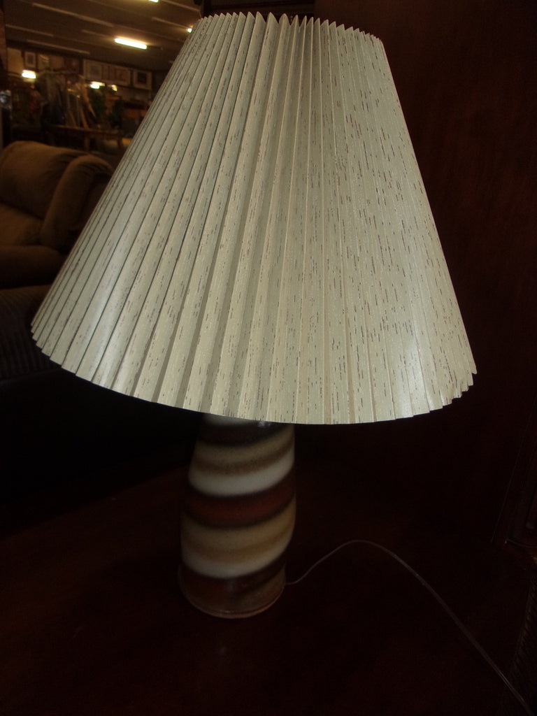 Lamp with lamp shade 15301