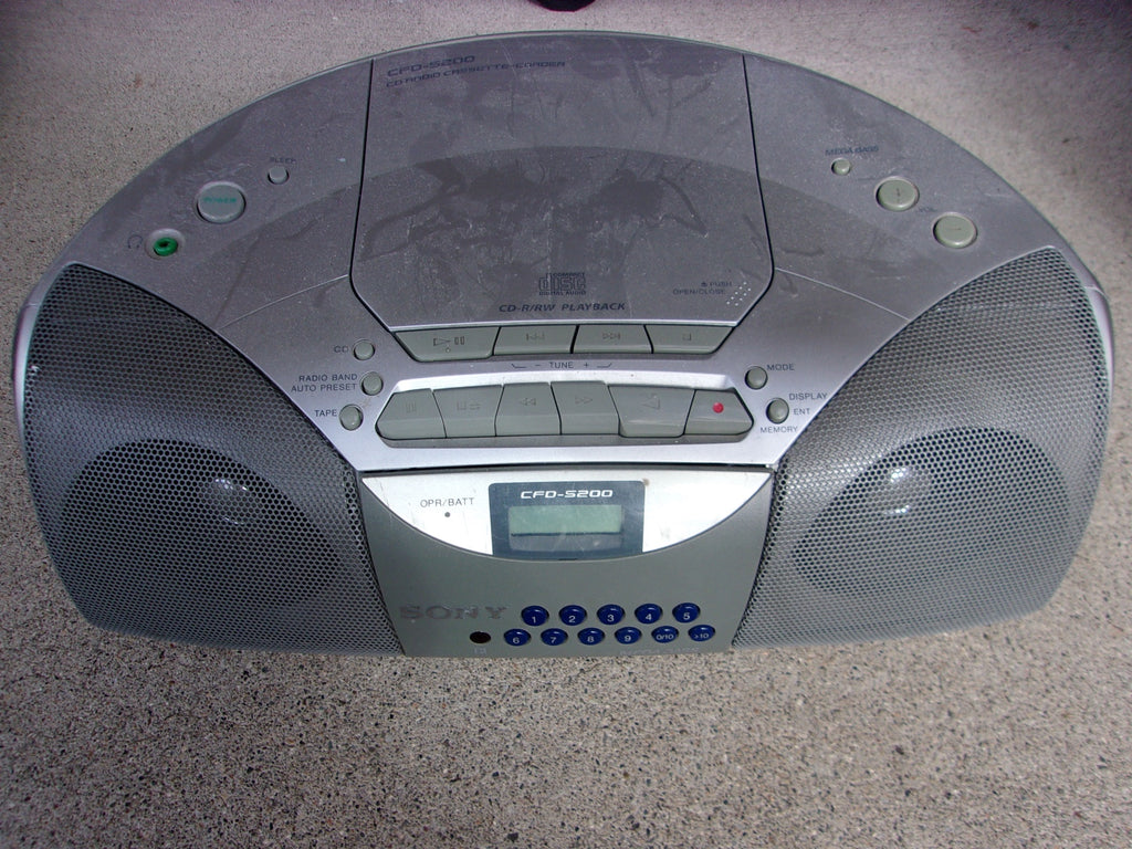 Sony CD/Cassette radio 15391