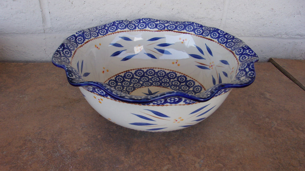 Temptations Old World blue fruit serving bowls 16360