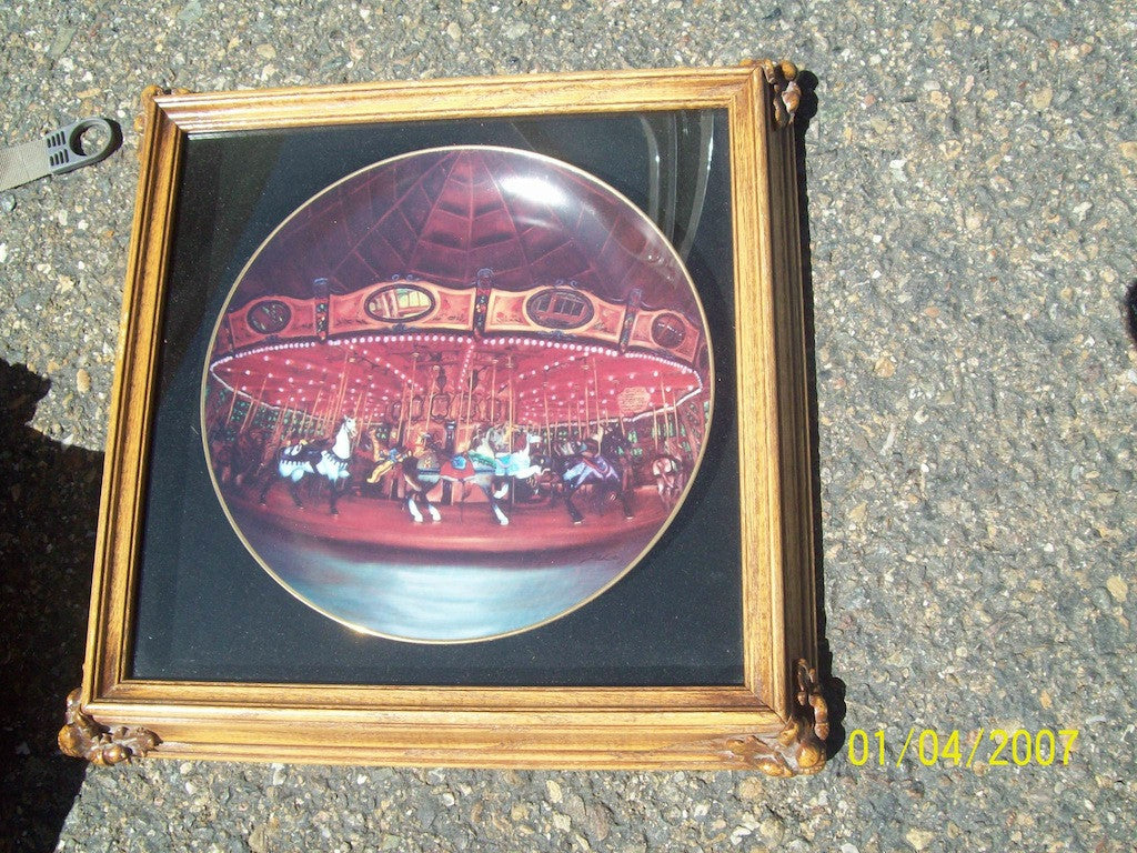 Collectors plate framed 3134